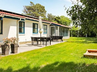 Slettestrand Holiday Home Sleeps 10 with Pool and WiFi - 5043043