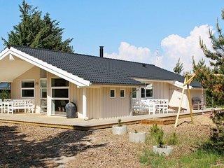 Bordrup Holiday Home Sleeps 6 with WiFi - 5061732