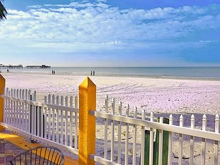 2bdr/1bath full kitchen, Apt #2 Steps from Door to Sand n Shore!
