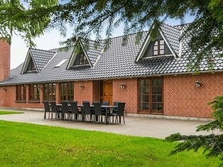 Tostrup Holiday Home Sleeps 26 with WiFi - 5674792