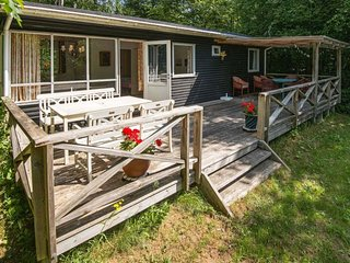 Laven Holiday Home Sleeps 4 with WiFi - 5647791