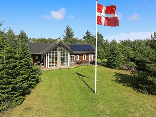 Norklit Holiday Home Sleeps 12 with WiFi - 5031523