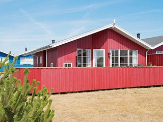 Norre Lyngvig Holiday Home Sleeps 6 with WiFi - 5081785