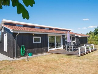 Esby Holiday Home Sleeps 6 with WiFi - 5654438