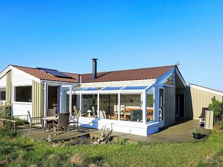 Norre Lyngby Holiday Home Sleeps 6 with WiFi