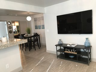 **VIP CONDO** Central Houston! Close to Everything!!
