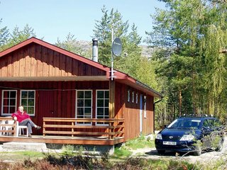 Strond Holiday Home Sleeps 8 with WiFi - 5178294