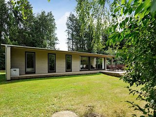 Parup Holiday Home Sleeps 6 with WiFi - 5042117