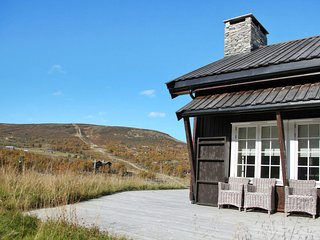 Geilo Apartment Sleeps 6 with Pool and Free WiFi - 5795214