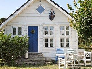 Skjeljanger Holiday Home Sleeps 6 with WiFi - 5177365