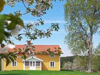 Kattestorp Holiday Home Sleeps 6 with WiFi - 5719933