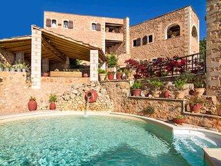Matzourana Blue Villa