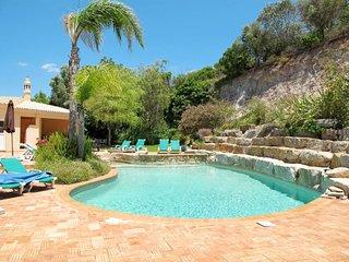 Ferienhaus mit Pool (PMO100)