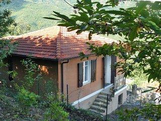 2 bedroom Villa with Walk to Shops - 5638658