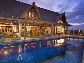 Modern 2BDR Villa with South Bali View