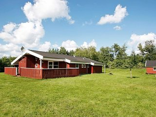 Rimmen Holiday Home Sleeps 10 with WiFi - 5043173
