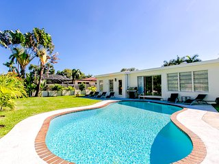 Best Area Spacious 4BR Home Pool Minutes To Beach