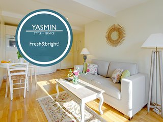 Yasmin - Surrounded by chic restaurants