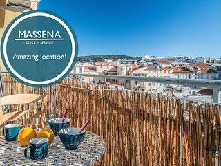 Massena - Sunny balcony and lift!