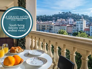 Le Grand Hotel - Magnificent view of the beautiful Promenade