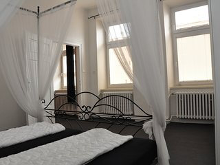 Bright & spacious cosy apartment