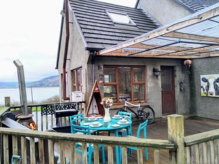 Inch Cove cottage. Shore front patio, stables, paddock. Wild Atlantic way.