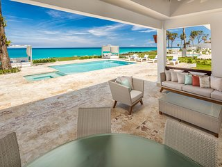 Perfect OCEAN FRONT 3 bdrms villa