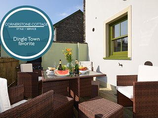 Cornerstone Cottage - Gem in the heart of Dingle!