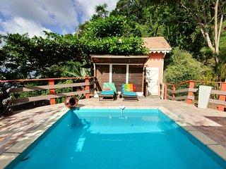 Cottage Inka, jacuzzi, vue mer, proche des plages des Anses d'Arlet