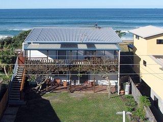 FRANGIPANI COTTAGE - Wooli, NSW