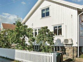 Skarhamn Holiday Home Sleeps 6 - 5059348