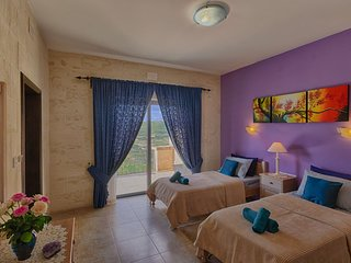 Ghajn Damma, Guest House,Twin Rooms Ensuite Bathrooms,Panoramic Sea Views