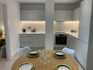Brentwood Library House Apartments by PLL – Fully Serviced Entire Apartments