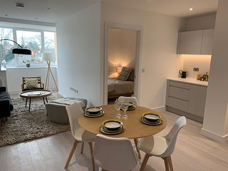 Brentwood Library House Serviced Apartments by PLL – Fully Serviced Apartments