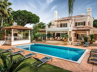 5 bedroom Villa with Pool, Air Con and WiFi - 5718963