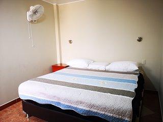 Habitación con cama de 3 plazas