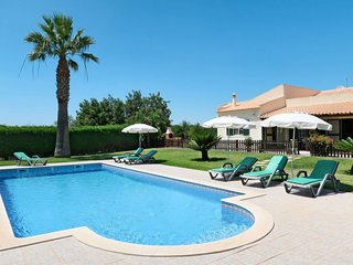 3 bedroom Villa with Pool, Air Con and WiFi - 5759334