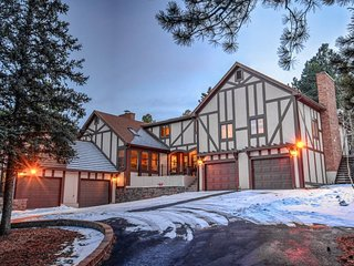 Entertainer's Great House   Acreage in the City