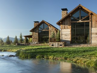 Fish Creek Lodge 11
