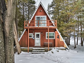 Cozy Deer Lake Cabin - 2 Mi to Boyne Mtn. Resort!