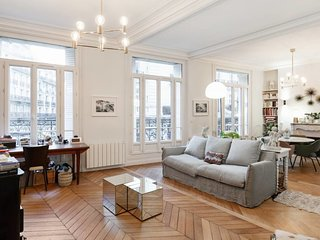 Design apartment in the heart of Paris for 5p