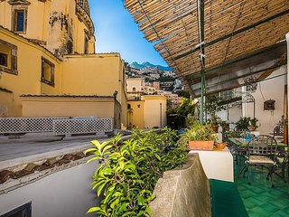 Positano Holiday Home Sleeps 6 with Air Con and WiFi - 5228697