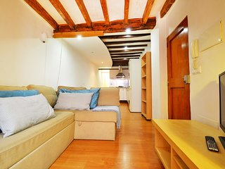 Cosy studio in the center of Palma with Internet, Washing machine, Air condition