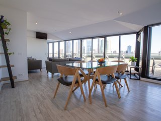 Flinders Luxury Penthouse