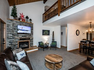 Newly remodeled, beautiful views, game room , close ski access , hot tub and mor