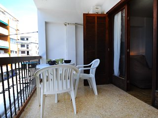 Spacious apartment a short walk away (274 m) from the 'Playa de Palma' in Palma