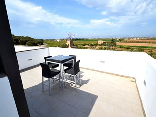 Spacious house in Palma with Internet, Washing machine, Pool, Terrace