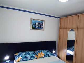 Spacious apartment in the center of Slano with Parking, Internet, Air conditioni