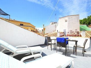 Spacious apartment in the center of Palma with Internet, Washing machine, Terrac