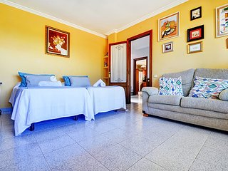 Spacious house in the center of Santa Ponça with Parking, Internet, Washing mach